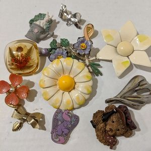 Jewelry - Brooch Lot